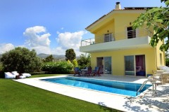 VL149 – Villa right next to the sea 182 sq.m. – Kalo Nero Messinia – 530000€