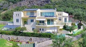 VL436-Detached house 357.19 sq.m.-Katsareika Kalamatas-330000€